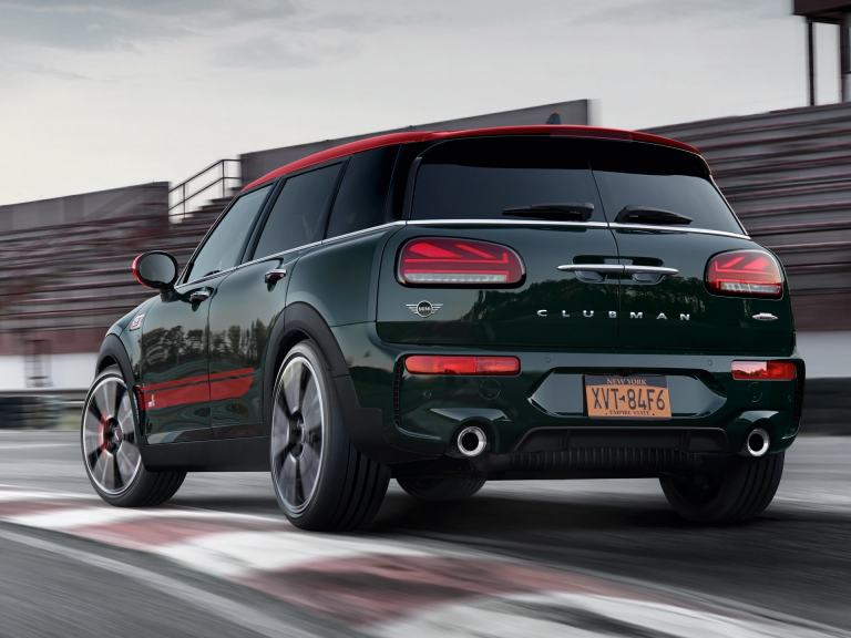 MINI John Cooper Works Clubman – green and red – rear view
