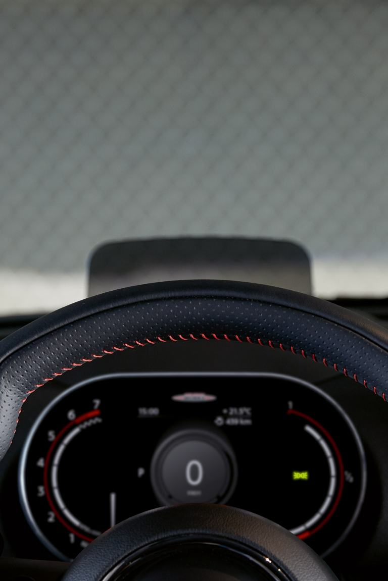 MINI John Cooper Works Clubman – instrument panel – cockpit