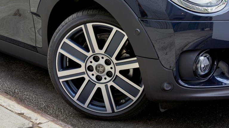 "18"" MINI YOURS  wheel – Two-tone British spoke style"