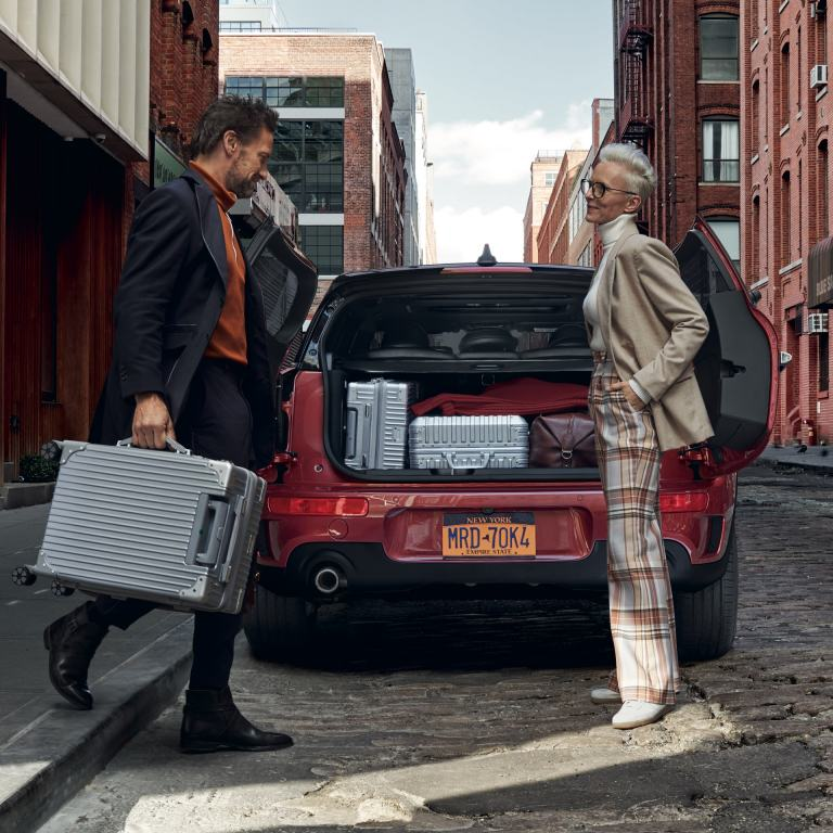 MINI Clubman – red and black – full boot